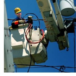 OSHA eTool Explains Ways to Protect the Safety of Electric Power Workers